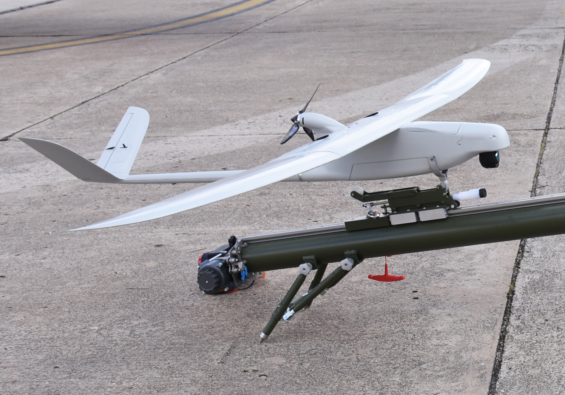 Schools of Matacán's group receives two SCR's new UAV Tucan